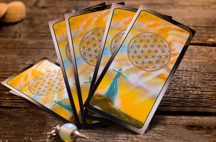 Η μηνιαία κάρτα Ταρώ Ιουλίου 2016